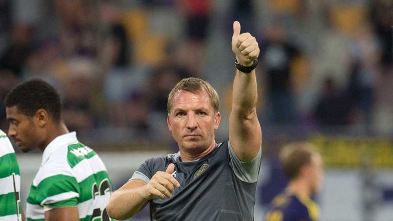 brendan-rodgers-celtic-manager-slovenian-thumbs-up_3741022